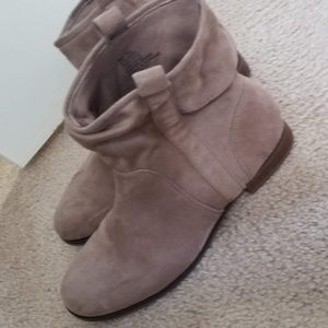SO Slouchy Tan Boots Size 9